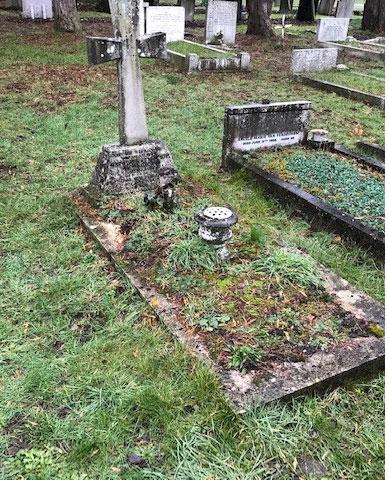 headstone2before